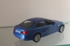 BMW - AZUL - MINIATURA (1)